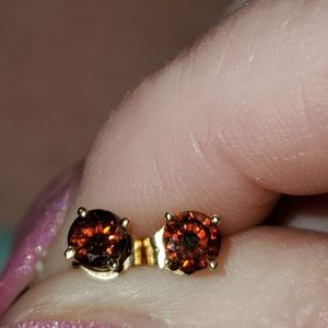 Beautiful.25cttw Red Diamond Stud Earrings